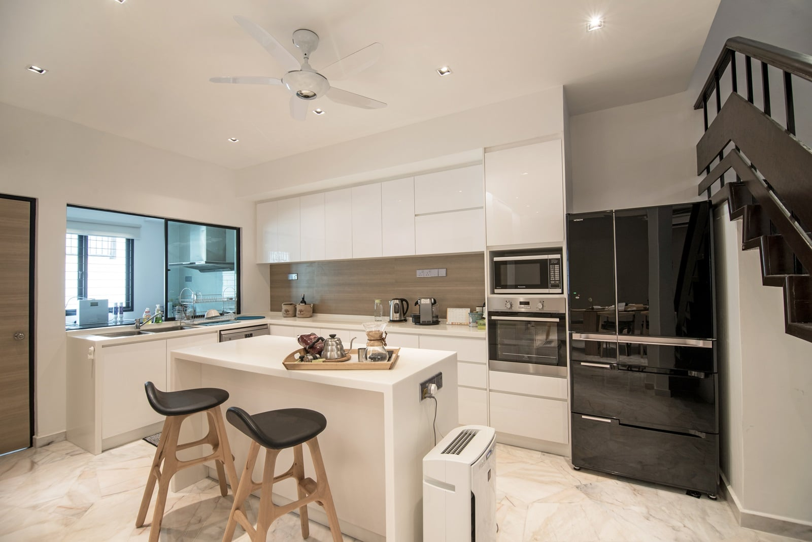 30 year old ttdi terrace house receives a nu infinity makeover for Infinity kitchen designs