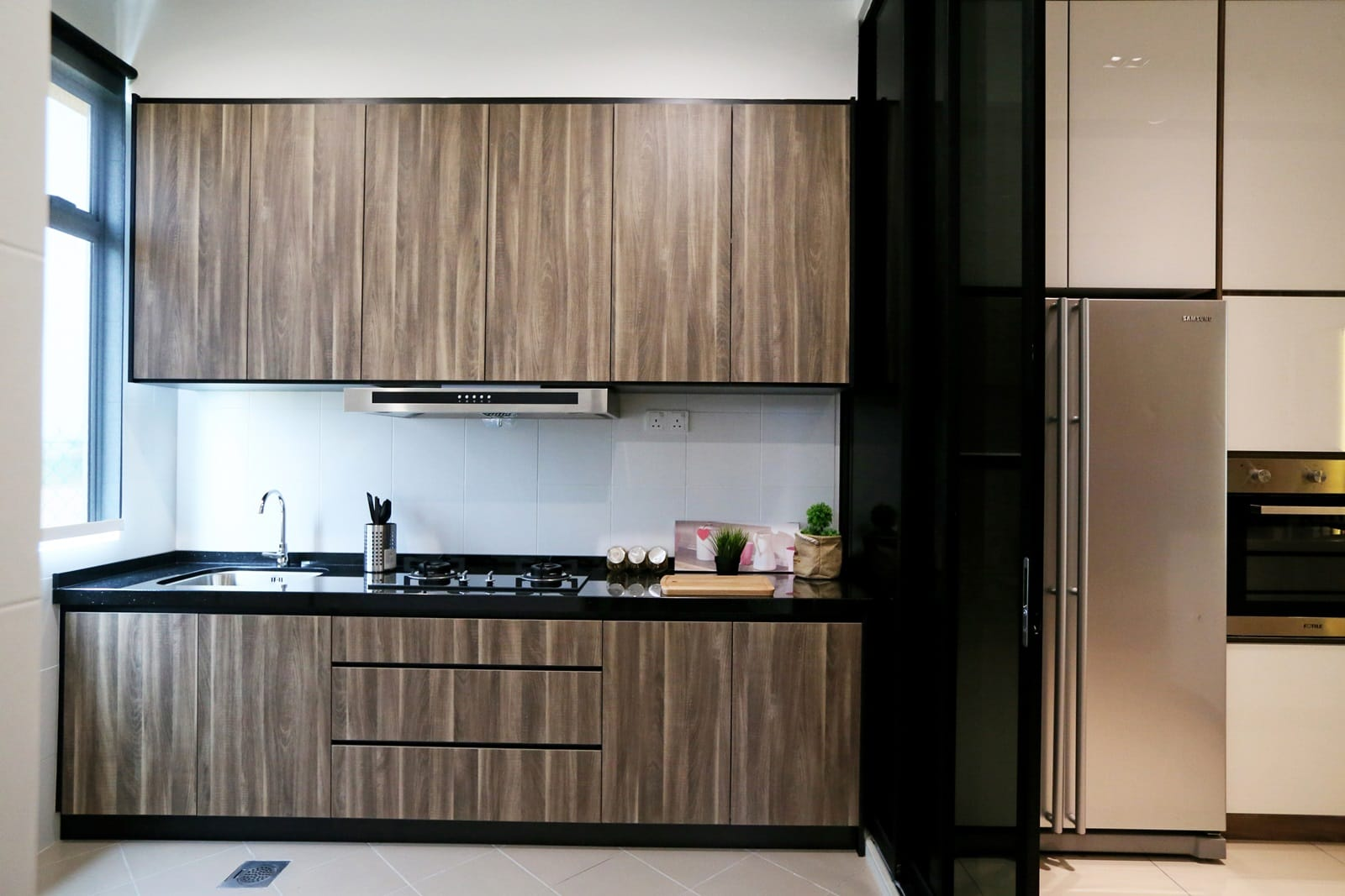 Rimbun vista show unit receives a sleek and stylish touch for Terrace kitchen design