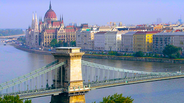 Mosques and Halal food/restaurant guide to Budapest
