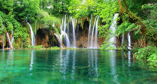 The World 39 S Most Beautiful Waterfalls Halaltrip