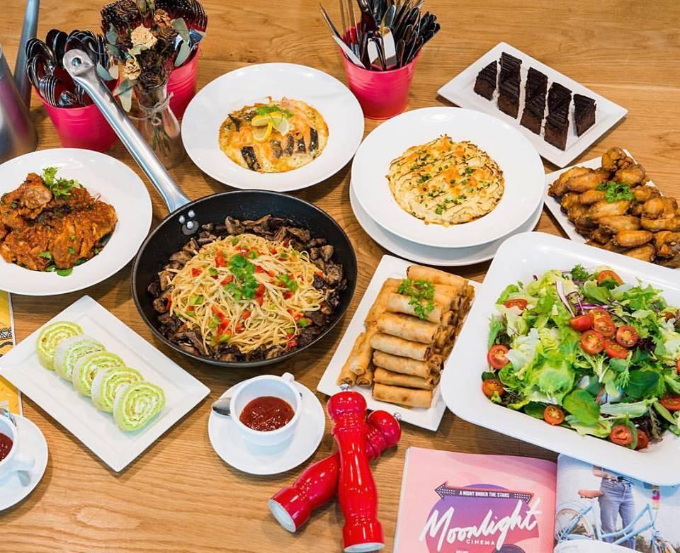 the royals cafe singapore