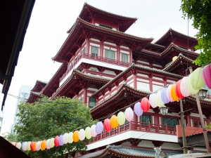 A Walking Tour of Chinatown in Singapore with HalalTrip