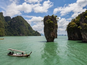 Why Should You Travel to Phuket?
