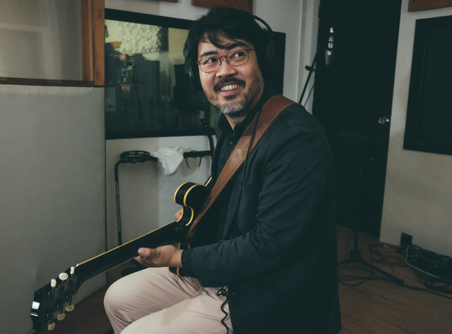 "Jazz guitarist Andrew Lim takes an ""artless"" step forward"