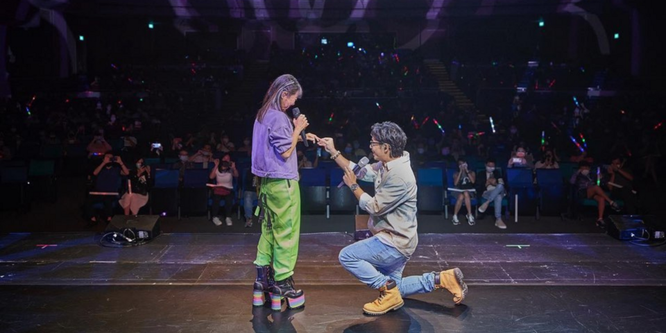 Tay Kexin gets proposed to on stage at MICappella concert