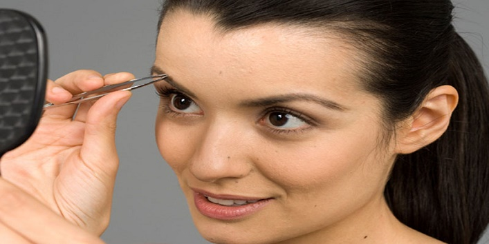 Get the desirable shapes of your eye brows at home3