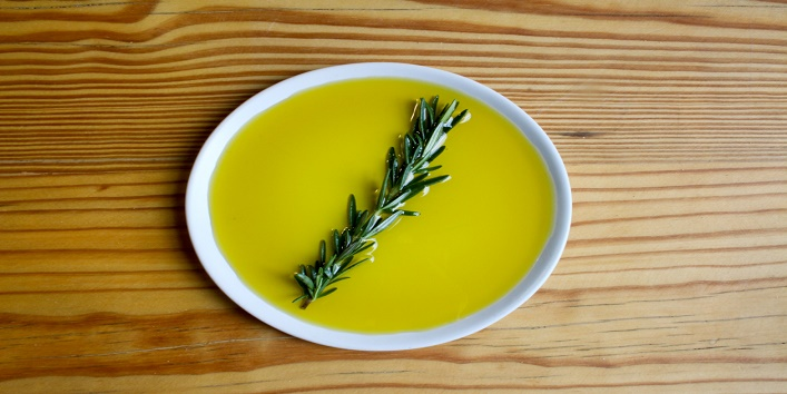 A Spoonful of Olive Oil Can Relieve Your Period Pain! 3