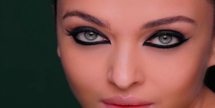 6-Ways-Of-Applying-Eyeliner-According-To-Your-Eye-Shape-4