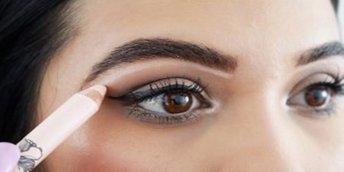 5-different-ways-to-use-white-eyeliner-3