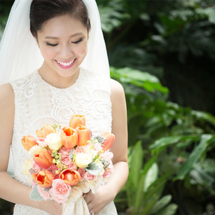 Top 9 Wedding Flowers And What They Mean