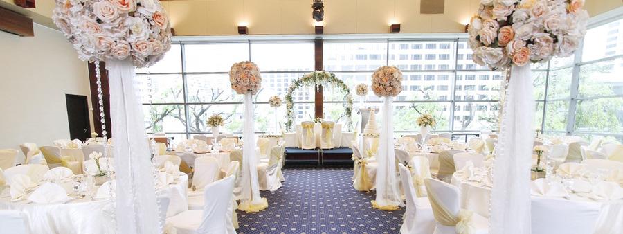 00 cover balmoral wedding setup 1 royal plaza on scotts