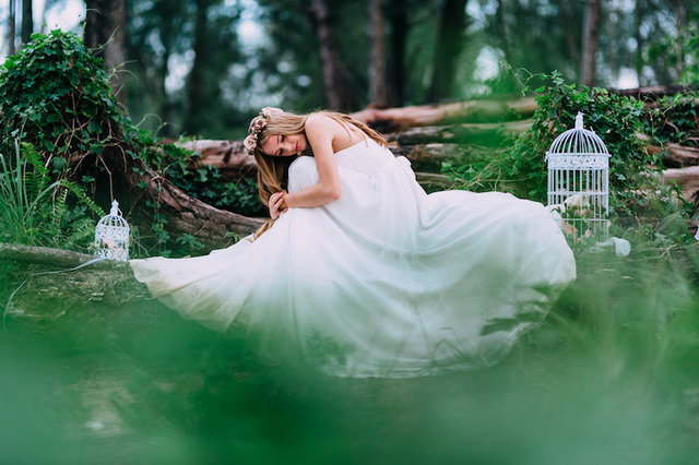 Styled Shoot With Kleid Gown & Standstills Photography