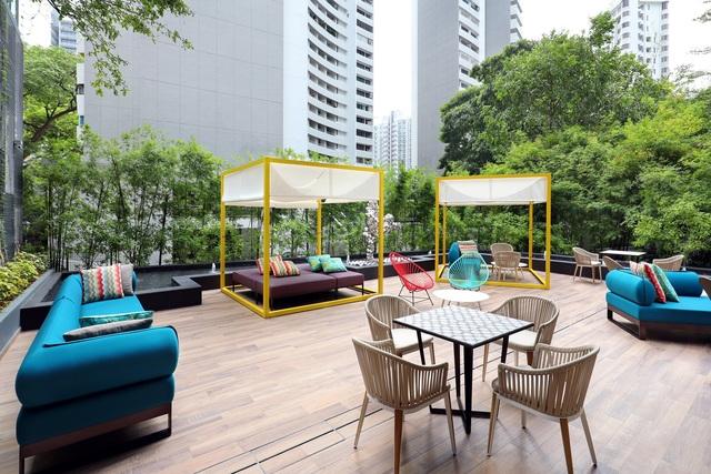 Oakwood studios singapore alfresco 2