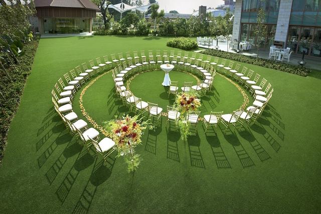 Equarius Hotel Lawn