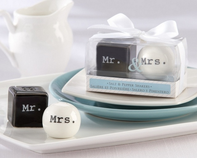 Salt and Pepper Shaker Favors