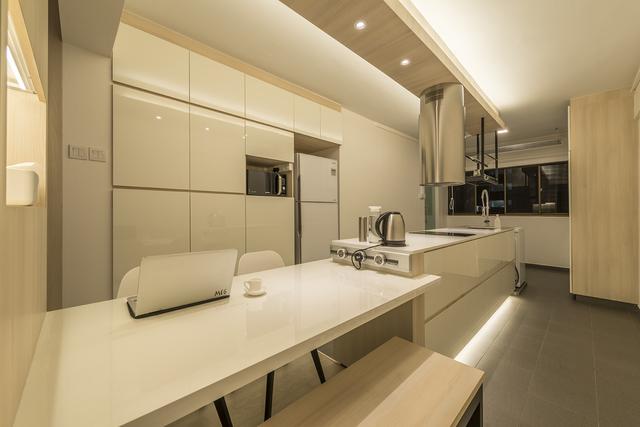 Interior Designer: Ace Space Design Location: Pasir Ris Cost Of Renovation:  SGD 25,000