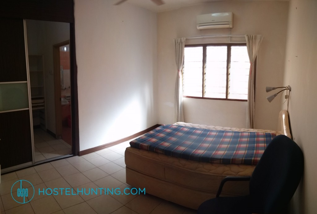 Jalan uranus u5 122c small room for rent shah alam for Small room rental
