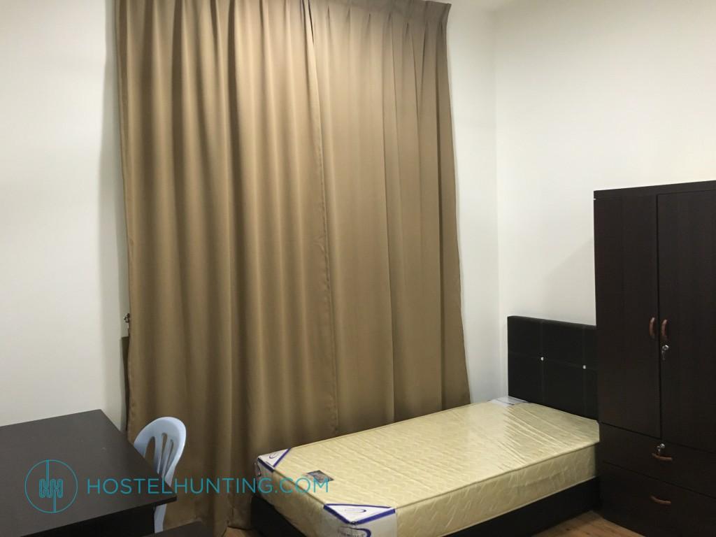 Utropolis Glenmarie Room For Rent