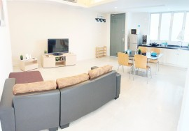 LiveIn @ Fraser Small Room