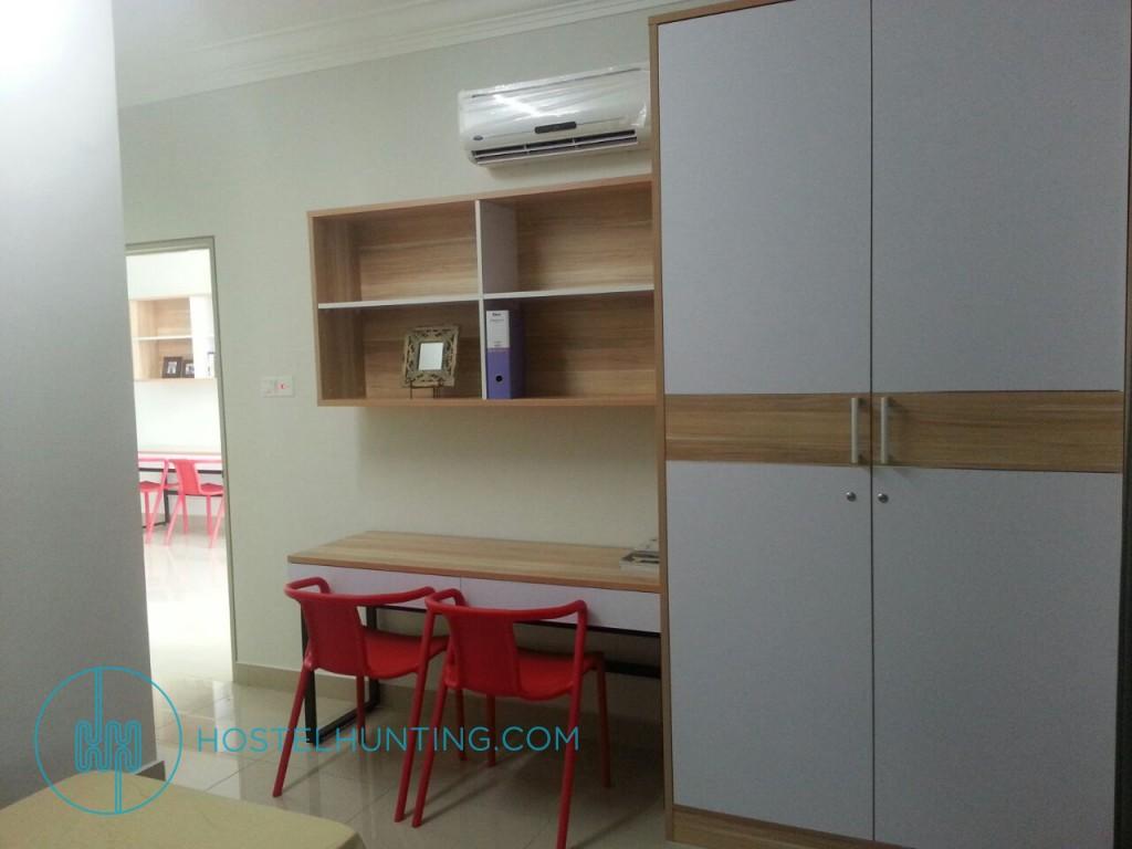 The Oak Unisuites Ara Damansara Master Shared Room Bed Selangor Room For Rent Hostelhunting
