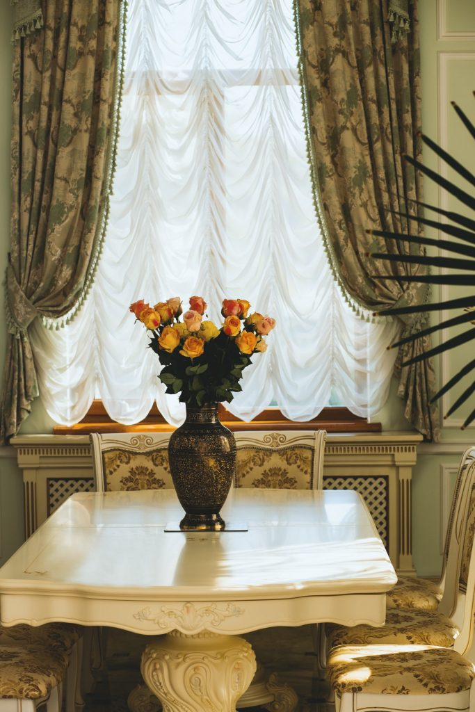 use curtains to soundproof your home