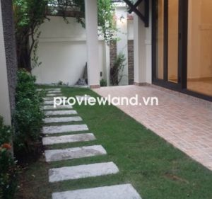 Villa for rent on Hai Ba Trung street with 200 sqm fully furnished has garden