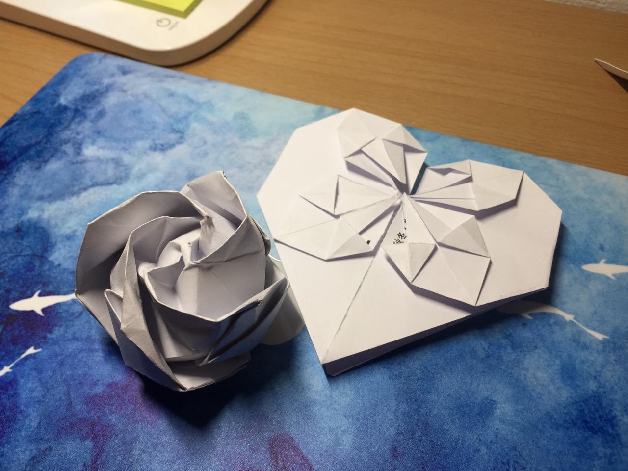 Very small origami crane | 960x1280