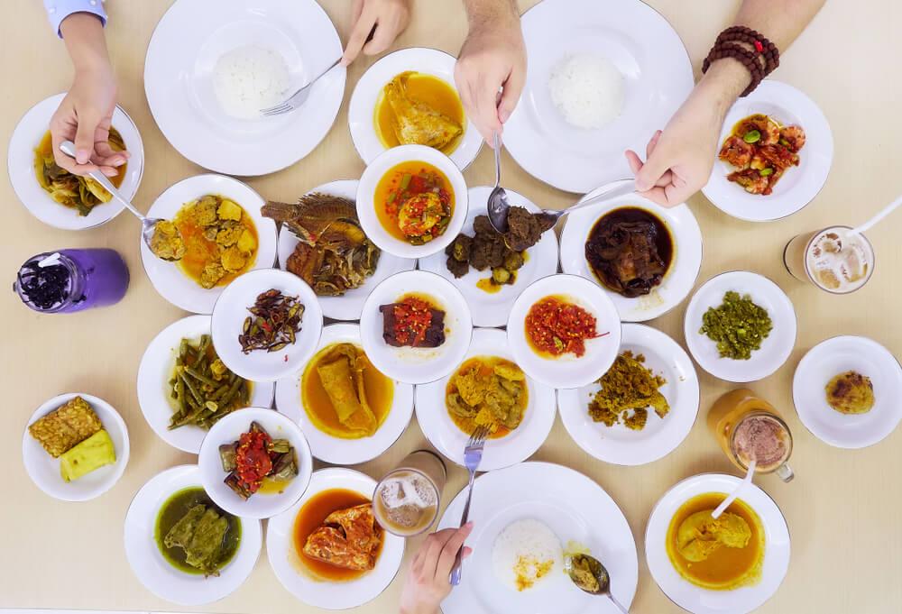 Nendang Abis! Makanan Khas Sumatra yang Bikin Kamu Sulit Move On