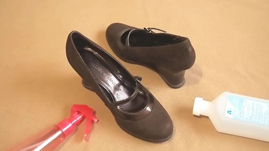 736d22a678b 5 Easy Tips To Stretch Your Tight Fit Shoes At Home!!