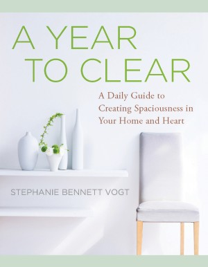 A Year to Clear by Stephanie Bennett Vogt from Vearsa in Motivation category
