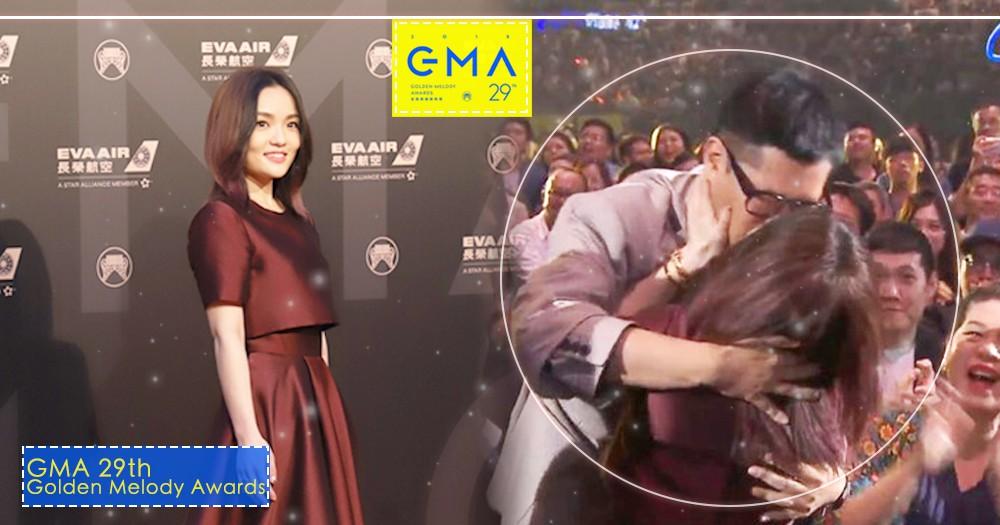【金曲29】大贏家徐佳瑩苦熬10年奪歌后,激吻謝男友比爾賈!完全是求婚的完美moment?