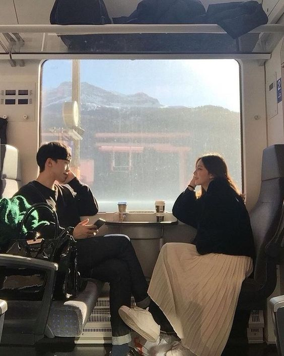 couple in the train