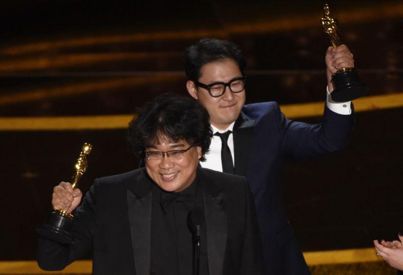 【奧斯卡2020】《上流寄生族》連獲得3獎 繼李安之後奉俊昊成為第二位亞裔的最佳導演