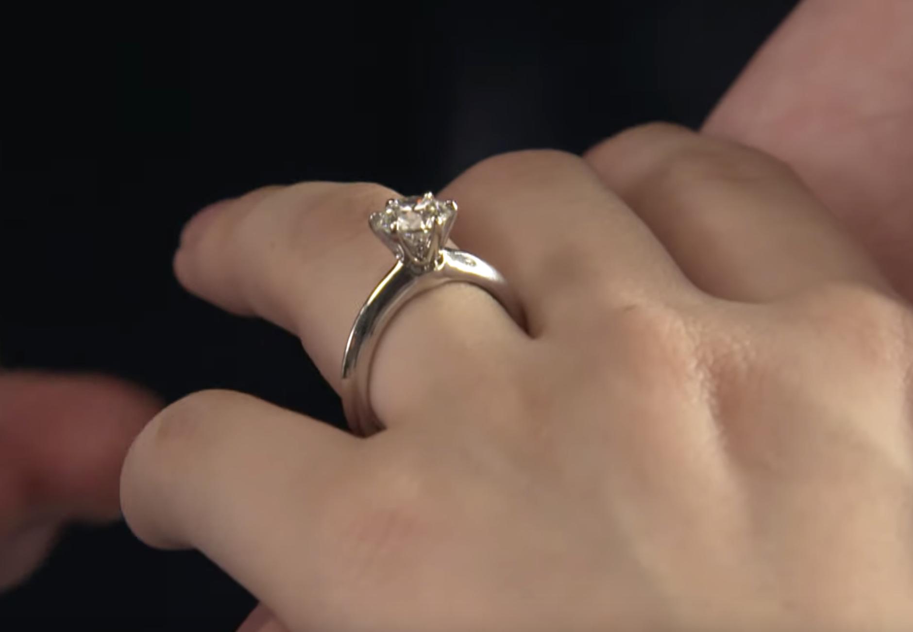 《戀愛可以持續到天長地久》佐藤健求婚婚戒Tiffany
