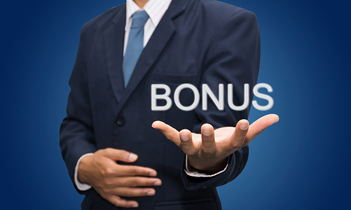 Bonus hand businessman