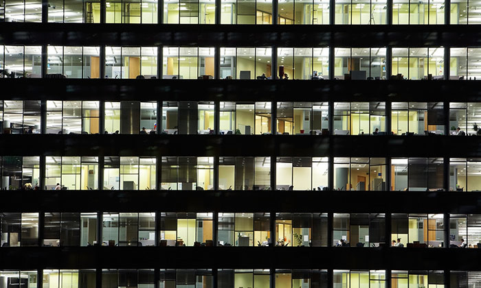 Employees working long hours, hr