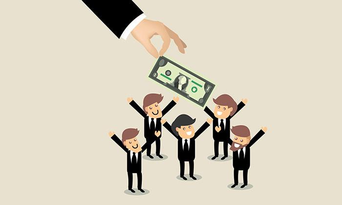 boss giving employees bonus hr
