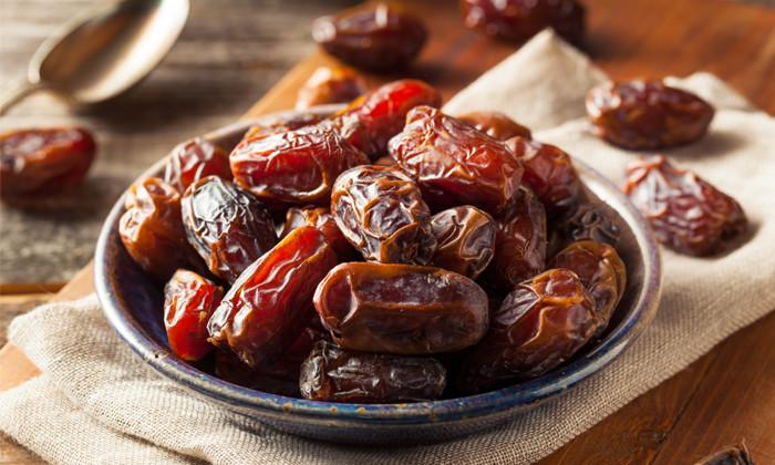 Ramadan breaking fast