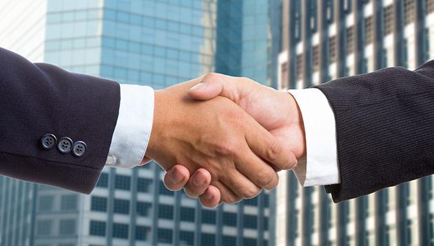 handshake - 123RF