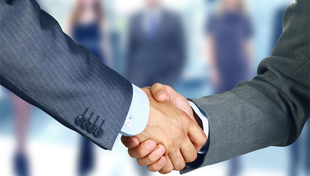 business handshake - 123RF