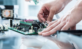 semiconductor-manufacturing-123RF