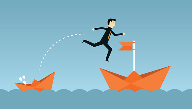 businessman-jumping-ship-123RF