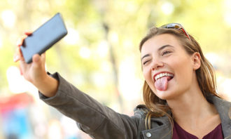 selfie-narcissist-123rf