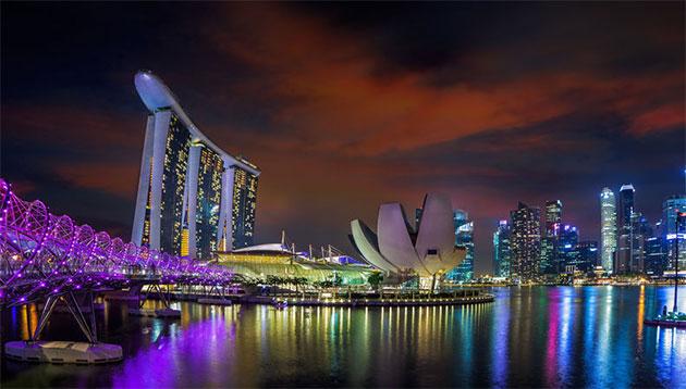 Singapore-skyline-123RF