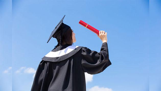 graduates-123RF