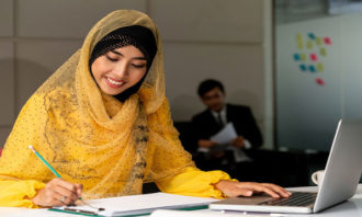 working-Malaysian-woman-123RF