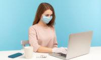 worker-wearing-mask-123RF