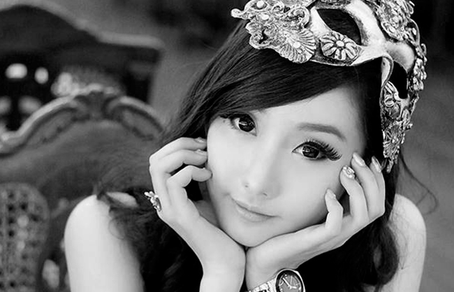 Cosplay Icon Alodia Launches Tier One Entertainment Marketing