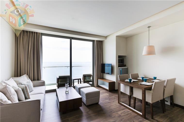 Suite Deluxe có Ban công và Tầm nhìn ra Biển.