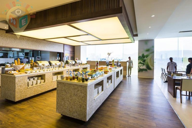 Khách sạn A La Carte Da Nang Beach